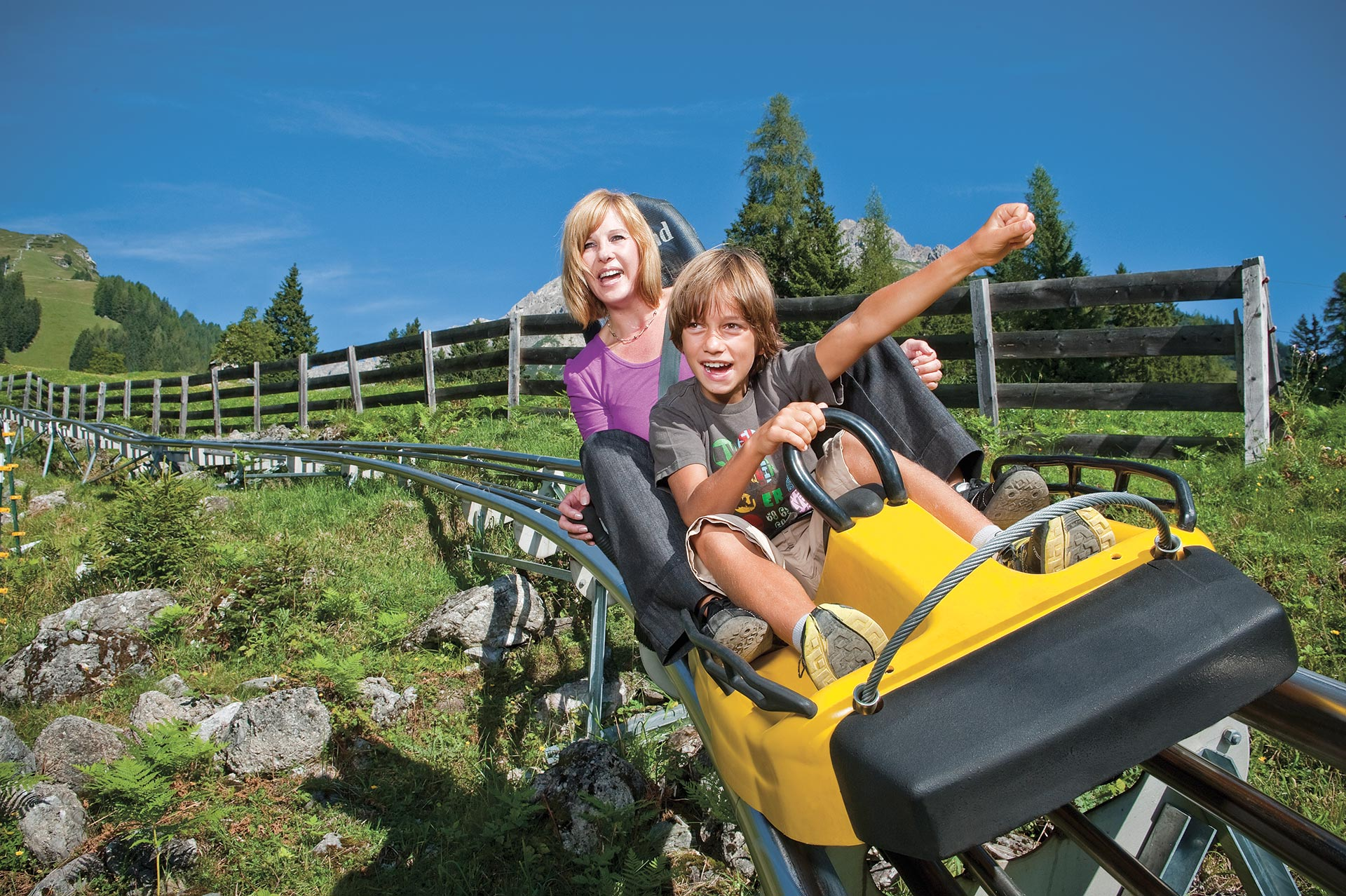 http://hotel-sailer.at/sites/default/files/alpine_coaster_3.jpg